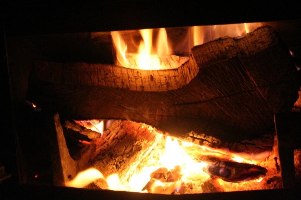 Great flames with oak wood