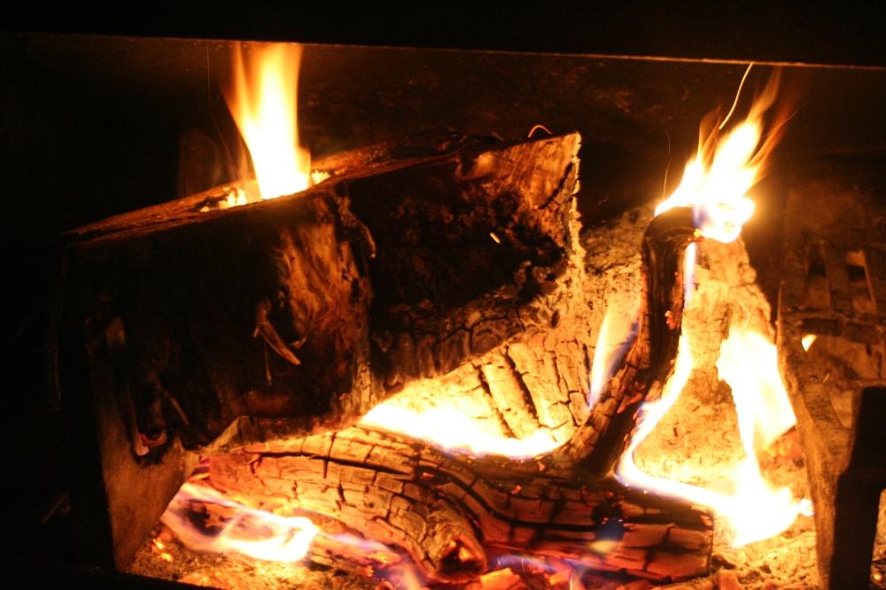 Cedar fire hole