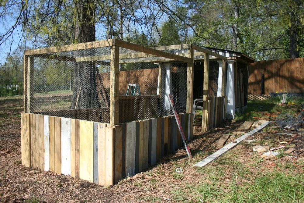 Another view of the chicken house